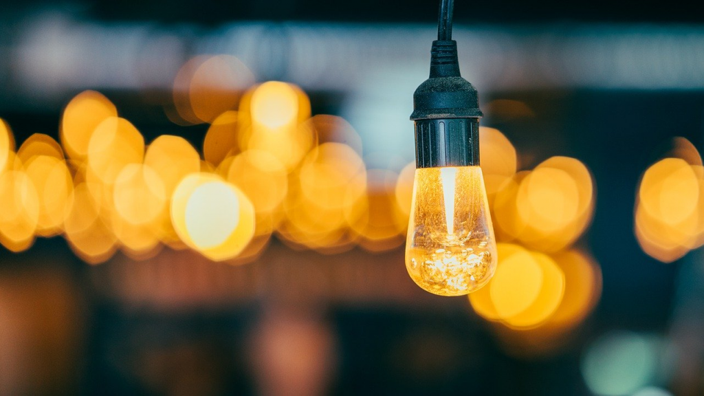 Lightbulb, shedding light on your business development, clear view